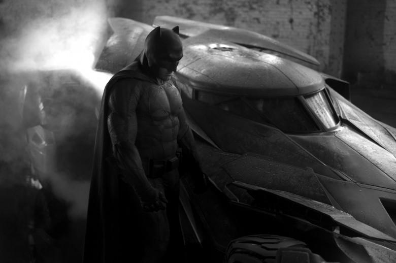 Ben Affleck as Batman, Batmobile, first looks